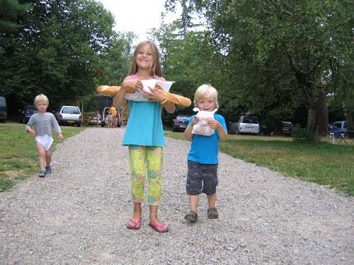 Isa en Sibren halen elke ochtend brood, Marijn slaapt elke ochtend uit